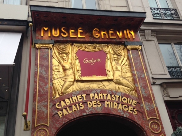 front of musee grevin